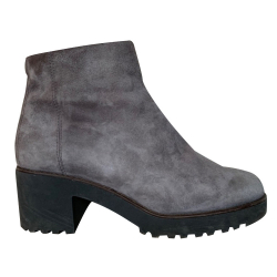 Hogan Grey suede ankle boots H277
