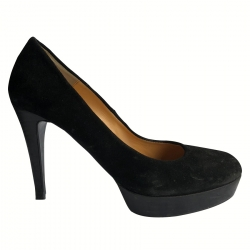 Gloria Ortiz Pumps