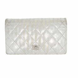 Chanel Reissue wallet in silver leather