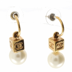 Chanel Earrings with Pearl