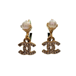 Chanel CC Logo Earrings with white pearls
