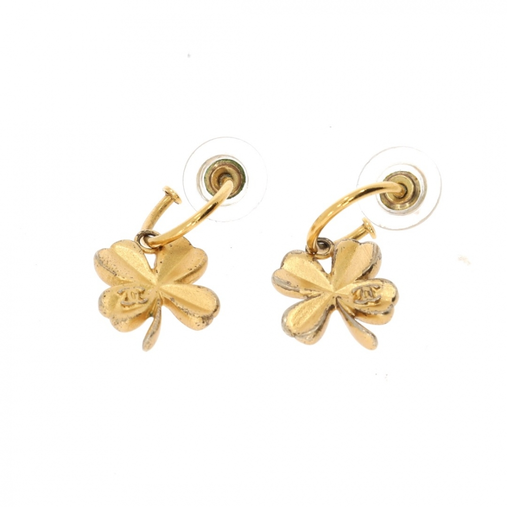 Chanel earrings in golden metal