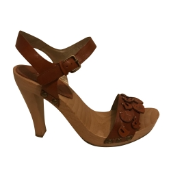 Dolce & Gabbana Brown sandals with wood platform