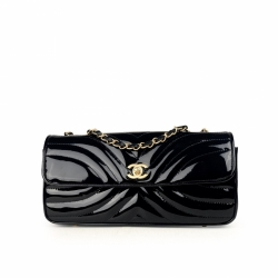 Chanel Classic Flap East/West Patent Leather Shoulder Bag