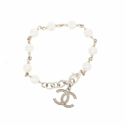 Chanel Bracelet with pearls