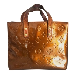 Louis Vuitton Reade patent leather handbag