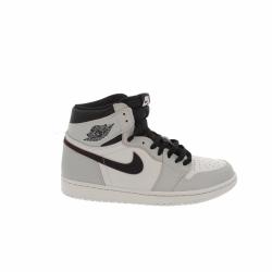 Nike Jordan 1 Retro High OG Defiant SB NYC to Paris