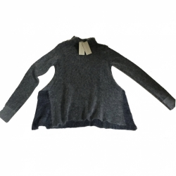 Clarins Sweater
