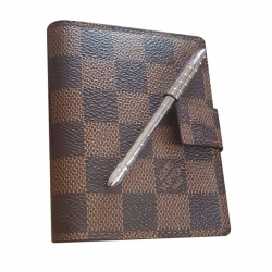 Louis Vuitton Kalender und Stift