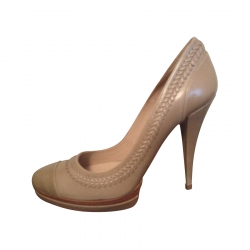 Pura Lopez Pumps