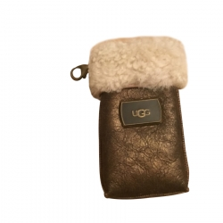 UGG iPhone Tasche