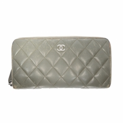 Chanel Timeless Zippy wallet