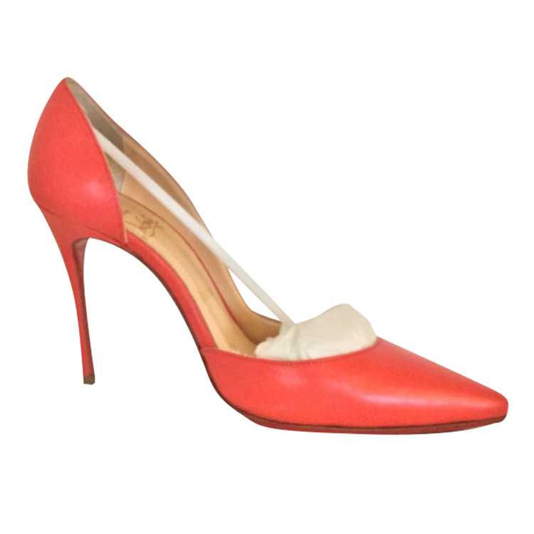 buy popular 6a4a3 dcc60 Christian Louboutin - Pumps : MyPrivateDressing. Buy and sell vintage and  second hand designer fashion and watches. Free listing. Authenticity –  Trade ...