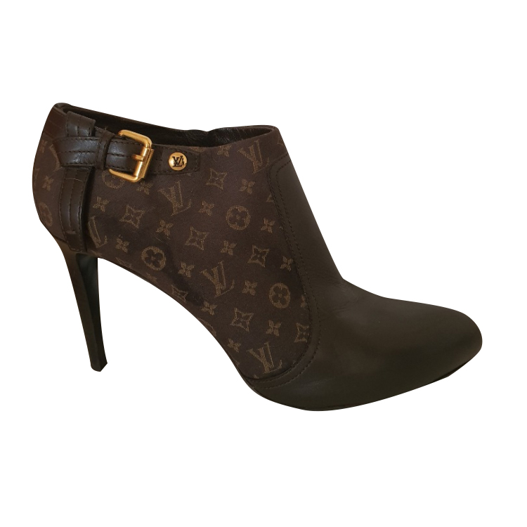 Louis Vuitton Ankle boots with logo