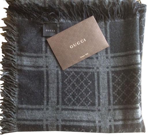 Gucci - Écharpe   MyPrivateDressing vide dressing suisse luxe online ... 0834a2508b4