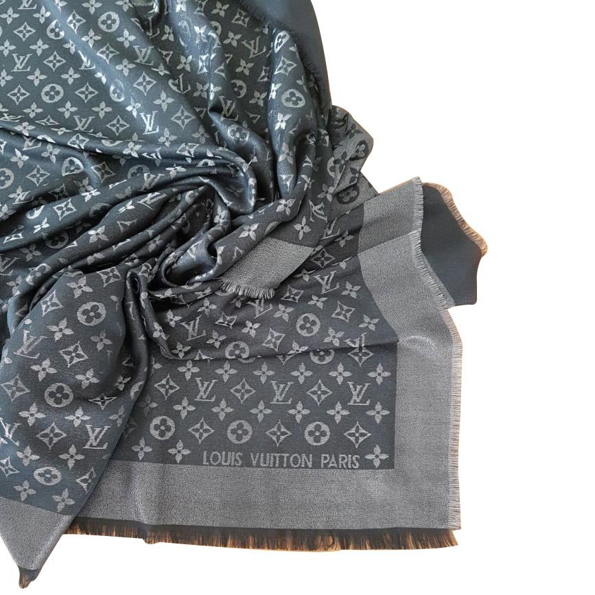70e87c9cde4 Louis Vuitton - Echarpe   MyPrivateDressing vide dressing suisse ...