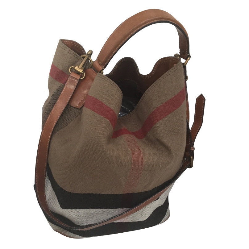 17bc979f0bf26 Burberry -