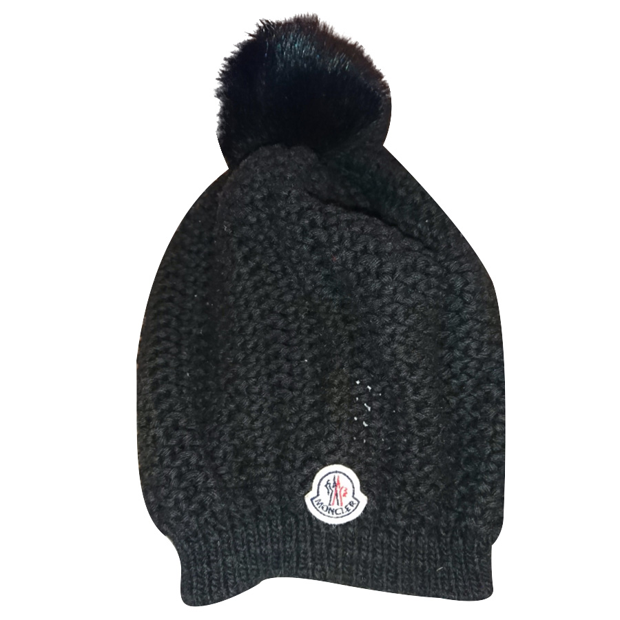 Moncler - Bonnet   MyPrivateDressing vide dressing suisse luxe ... c4ede3adc71