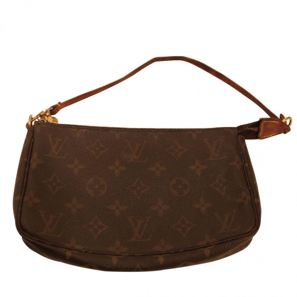 75239aac5707 Louis Vuitton - Pochette