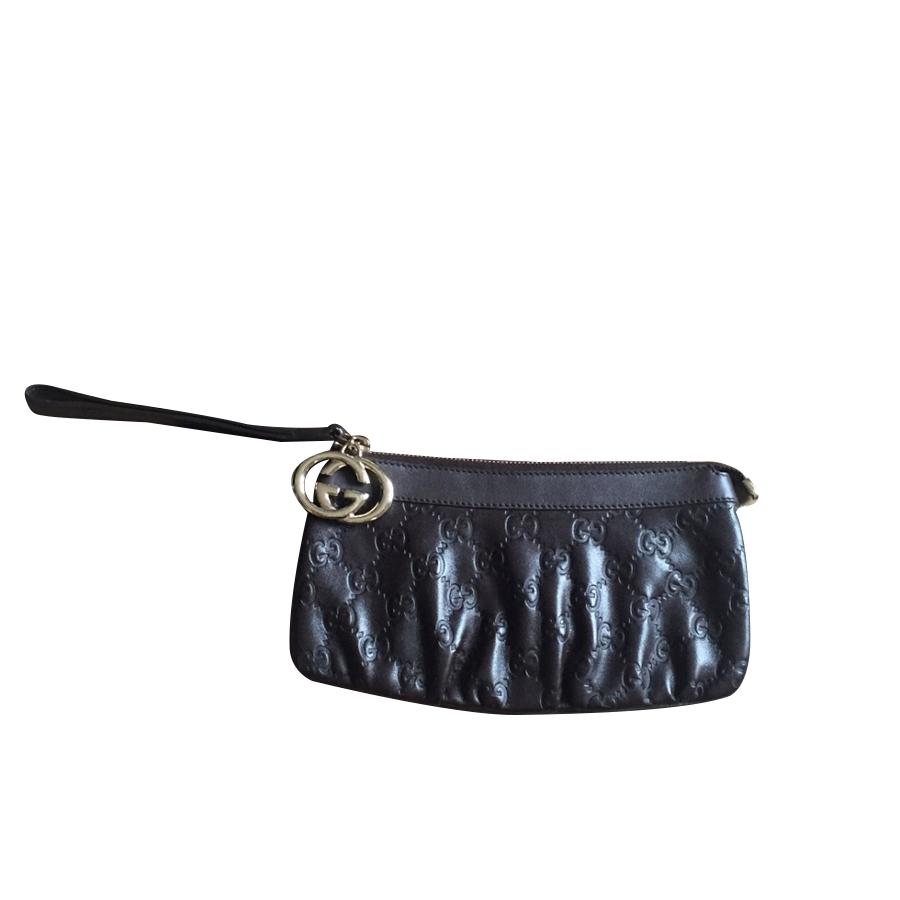 Gucci - Pochette   MyPrivateDressing vide dressing suisse luxe ... 4dc10086e12