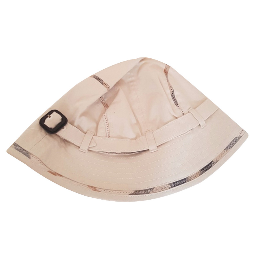 Burberry - Cap   MyPrivateDressing. Buy and sell vintage and second ... 1caf42edc72