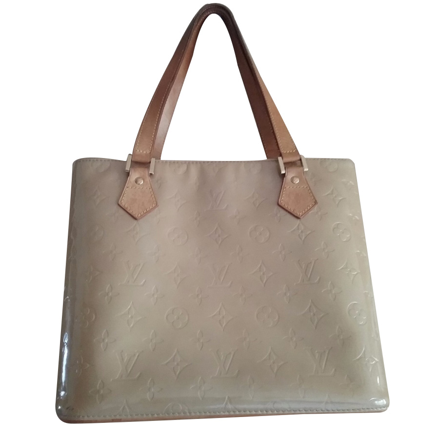 a9fda0141e8c0 Louis Vuitton -