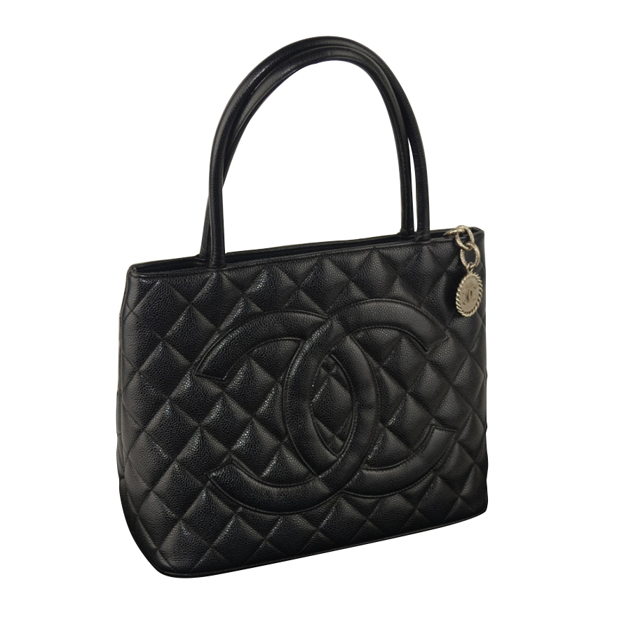 chanel medaillon handtasche myprivatedressing schweiz kaufen und verkaufen sie ihre. Black Bedroom Furniture Sets. Home Design Ideas