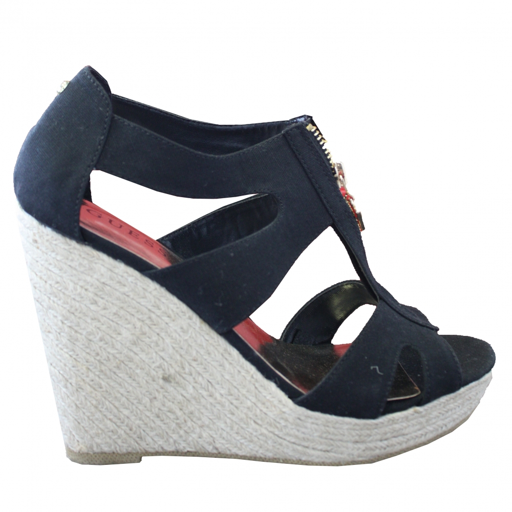 3fbf6d371be Guess - Wedge sandals   MyPrivateDressing. Buy and sell vintage and ...