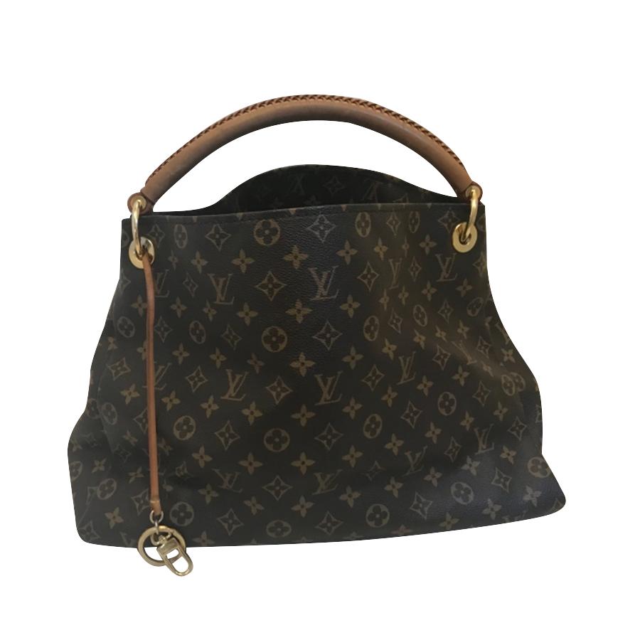 a2e3bd26a5cf Louis Vuitton -