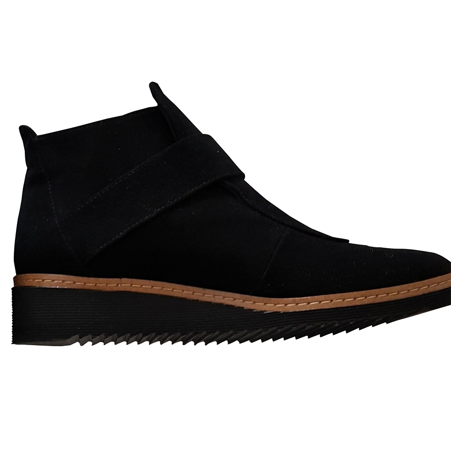 f3d05833348 Madeleine - Chaussures   MyPrivateDressing vide dressing suisse luxe ...