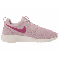 Nike Women's 'Roshe One' Sneakers