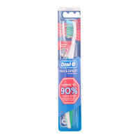 Oral-B 'Pro-Expert Crossaction' Toothbrush - Medium 1 Unit